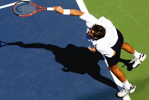 Posicionamento dos pés no saque do Tenis