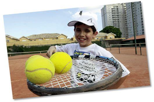 A bola é sua · Revista TÊNIS ad409fe778fa7