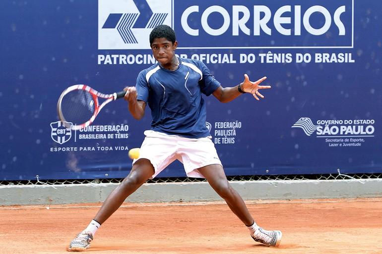 João Lucas Reis foi destaque na Gira COSAT e é o segundo melhor sul-americano no ranking da categoria 14 anos
