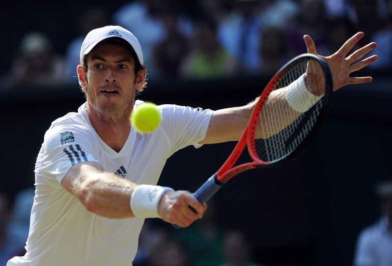 Murray devolve bola na final de Wimbledon