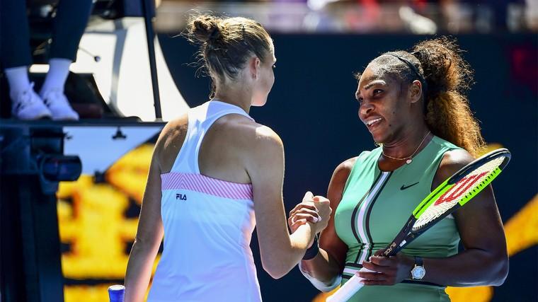 Serena Williams e Karolina Pliskova durante a partida de quartas de final do Aus Open 2019