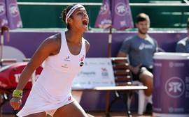 Teliana supera gripe e vence Brasil Tennis Cup