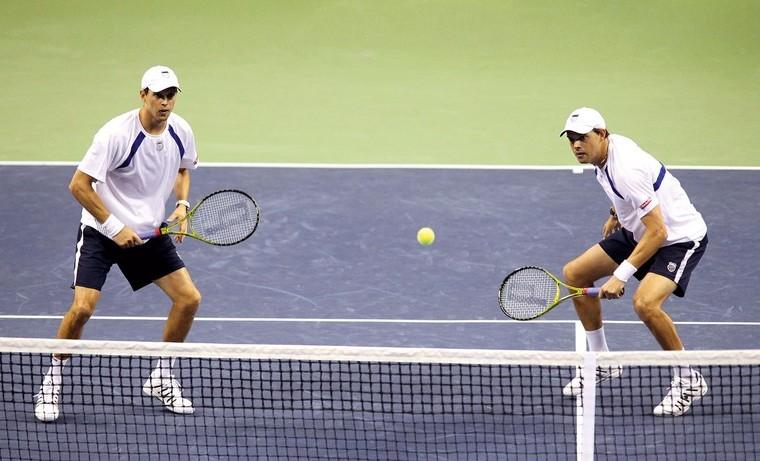 Como o jogo de duplas pode ajudar em seu desempenho no simples · Revista  TÊNIS a5d2b9cbc4626