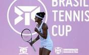 Teliana Pereira vence batalha de 3h e avança no Brasil Tennis Cup